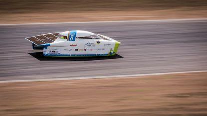 Poleposition! Leuvens studententeam eindigt als eerste in kwalificaties WK zonnewagens