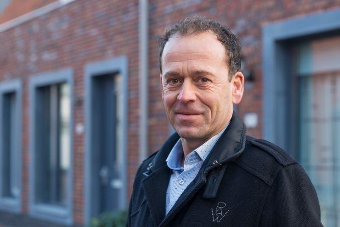 Directeur Marco van der Wel van Zeeuwland in de volledig vernieuwde Zierikzeese wijk Buzee.