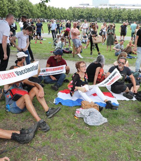 Ruim 400 arrestaties na rellen bij demonstratie tegen coronamaatregelen