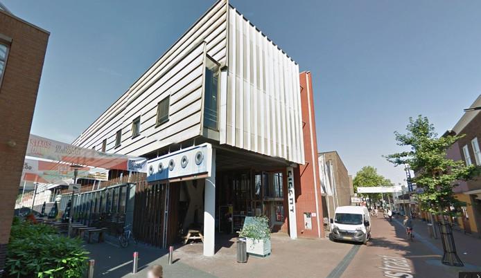 Het pand van Gigant en Markant aan de Nieuwstraat in Apeldoorn.