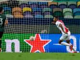 Sébastien Haller met vier goals bij CL-debuut in voetsporen Marco van Basten