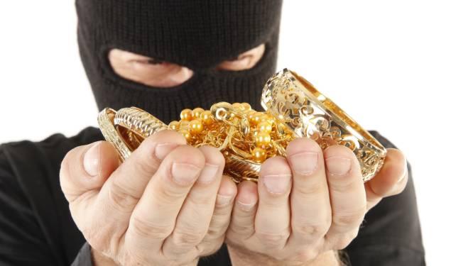 """Inbrekers weg met geld en juwelen: """"Daags voordien twee verdachte mannen op bezoek gekregen"""""""