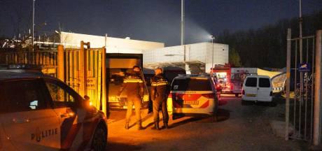 Tientallen boetes en één aanhouding bij illegale feesten in Tiel en Weurt: 'We hebben een verjaardag gevierd'
