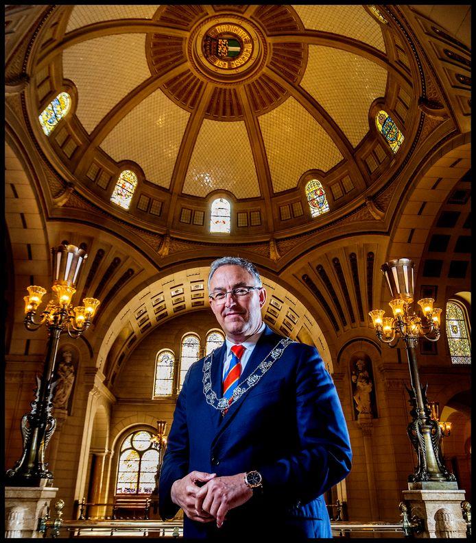Burgemeester Aboutaleb van Rotterdam in het stadhuis.