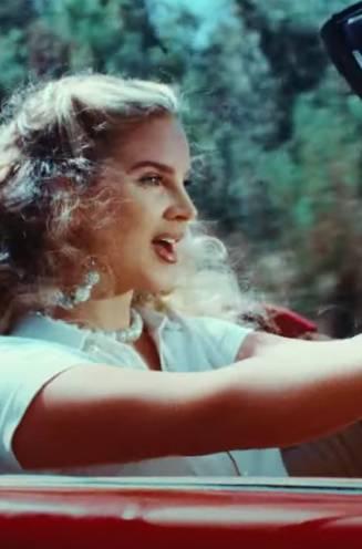 Van poster girl tot hetze over racisme: hoe Lana Del Rey de boksbal voor zelfgenoegzaam links werd
