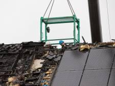 Onderzoek naar oorzaak dakbrand woningen in Eemnes
