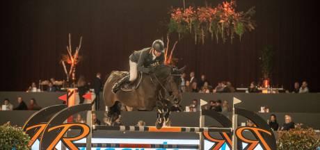Leerling Porter klopt leermeester Dubbeldam bij Jumping Zwolle