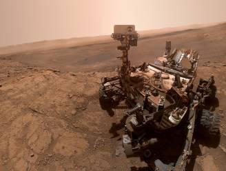 Marsrover Curiosity deelt nieuwe selfie van zijn bijzonder experiment