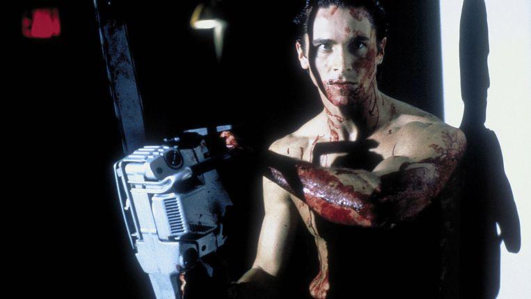 Christian Bale als seriedoder Patrick Bateman in American Psycho (2000).Ellis: 'O jee, een gewelddadige vrouwenhater, kan dat wel?' Beeld RV