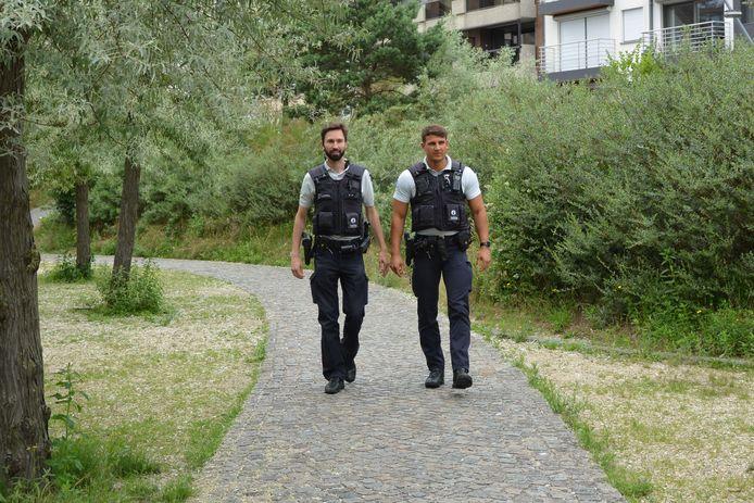 Een patrouille van de politiezone Damme/Knokke-Heist, uitgerust met bodycam.