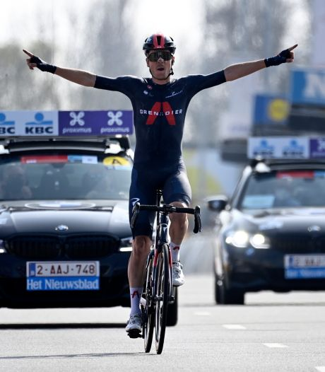 Beresterke Van Baarle soleert naar zege, Van der Poel komt tekort in finale