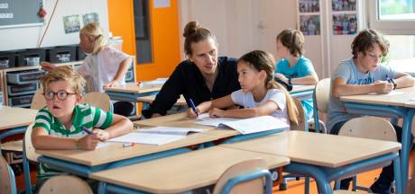 Scholen op Voorne-Putten zoeken samen 25 nieuwe leerkrachten: 'Liever geen onbevoegden voor de klas'