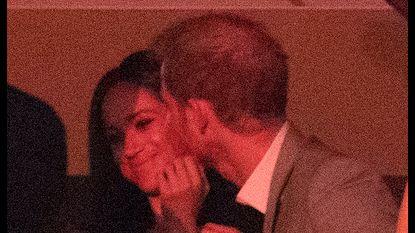 Ongezien in het Britse koningshuis: prins Harry en Meghan in het openbaar