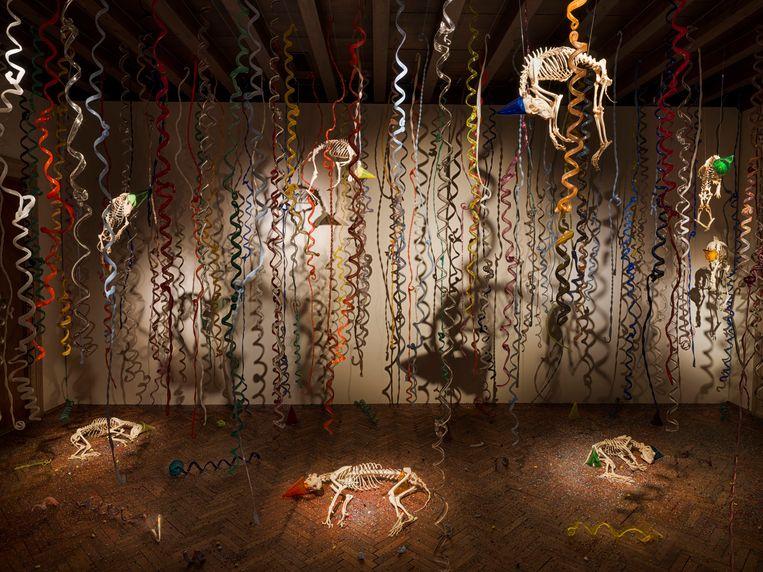 'The Catacombs of the Dead Street Dogs' (2009--‐2017) van Jan Fabre. Beeld rv Angelos bvba