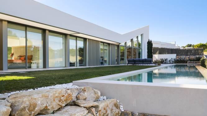 Ook onder de indruk van de topvilla uit Costa Belgica? Deze is nóg luxueuzer met een zwembad van 27 meter