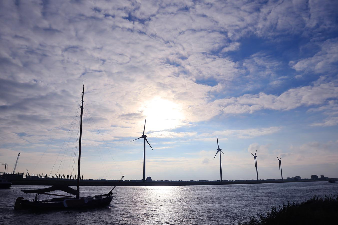 Windmolens bij de Dordtse Kil.