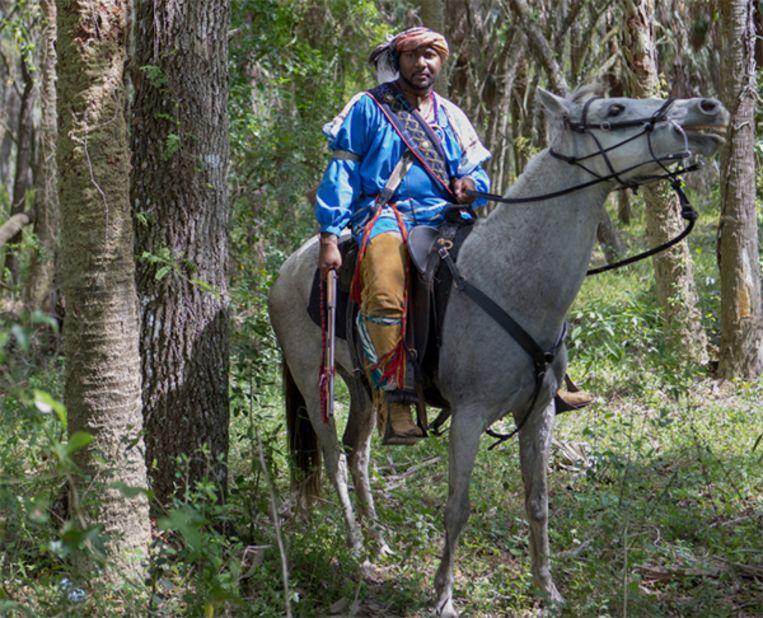 Matthew Griffin, een zwarte Seminole, op het slagveld tijdens het re-enactment.