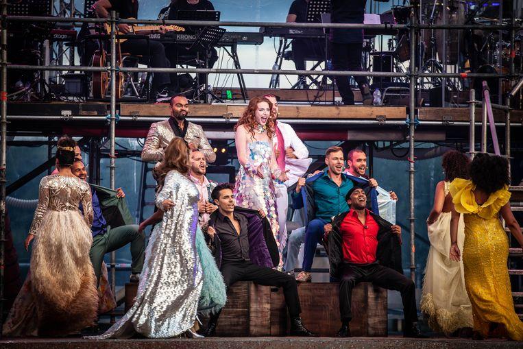Willemijn Verkaik zingt 'Mijn pakkie an' in Aida in Concert. Beeld Elco van den Donker