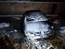 Auto uitgebrand aan Marlijnstraat in Helmond