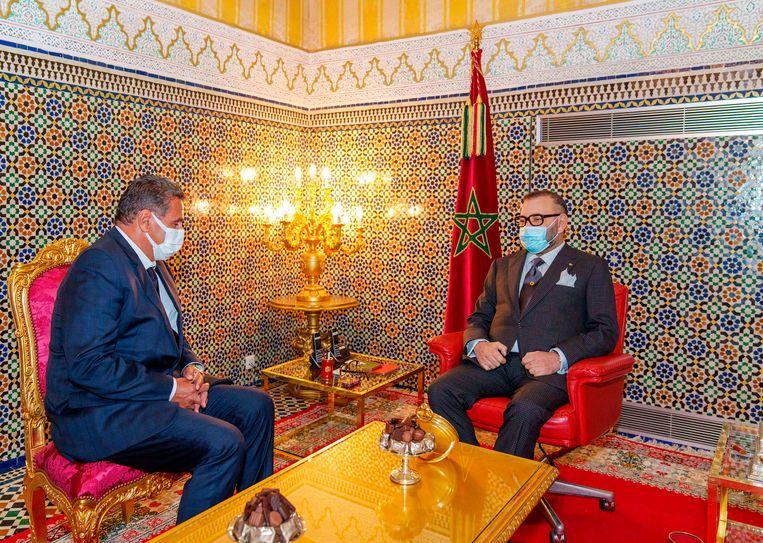 Aziz Akhannouch sprak vorige week in het koninklijk paleis in de stad Fez met koning Mohammed VI. De miljardair kreeg van de koning, die veel macht heeft, opdracht om een kabinet te formeren. Beeld AP