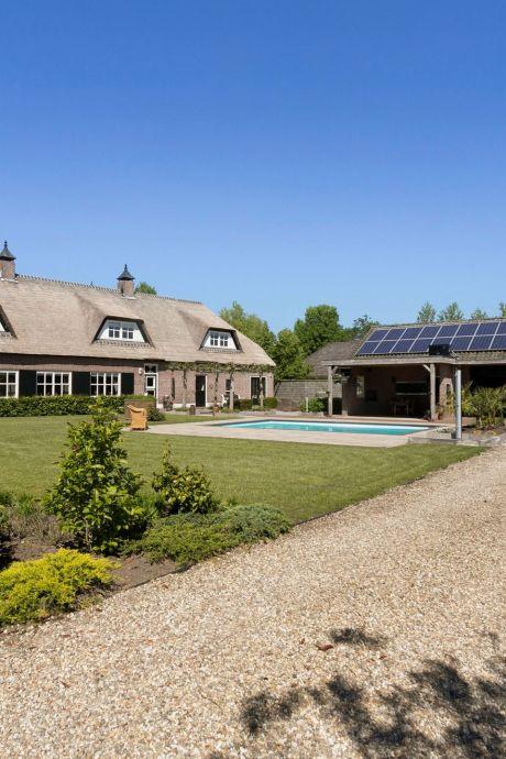 Deze Brabantse woonboerderijen (met zwembad en kroeg) zoeken een nieuwe eigenaar