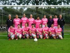 Amateurteam VVZA in roze tenue voor meer homoacceptatie