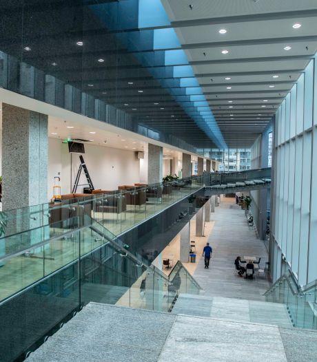 Digitale heropening Stadhuis Tilburg op 18 april, burgemeester bedankt buren voor geduld