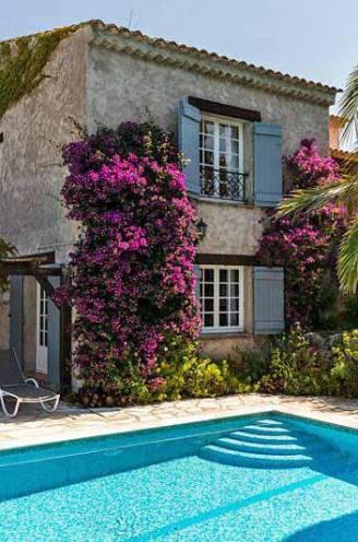 Vakantiehuis huren zoals de Verhulstjes in Zuid-Frankrijk? Onze reisexpert legt uit hoe je het aanpakt en toont budgetvriendelijke opties