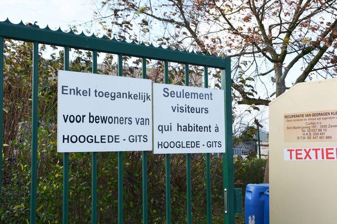 De ingang van het containerpark in Hooglede.