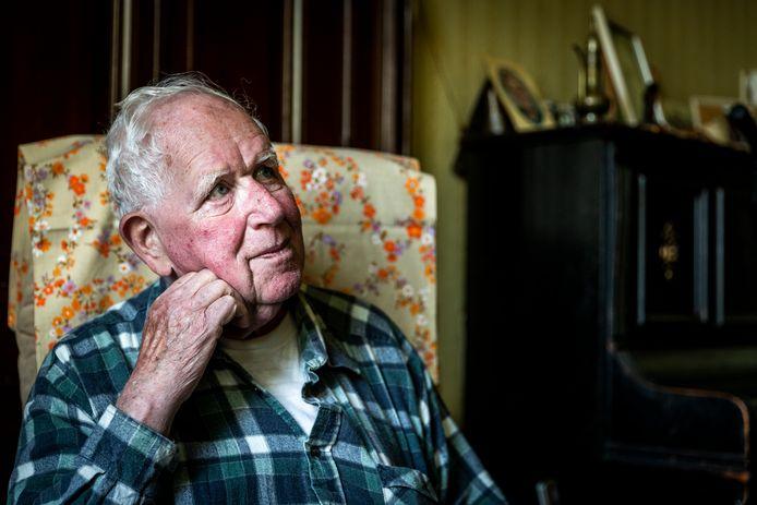 Marc (77) is een van de slachtoffers van bankpasfraude.