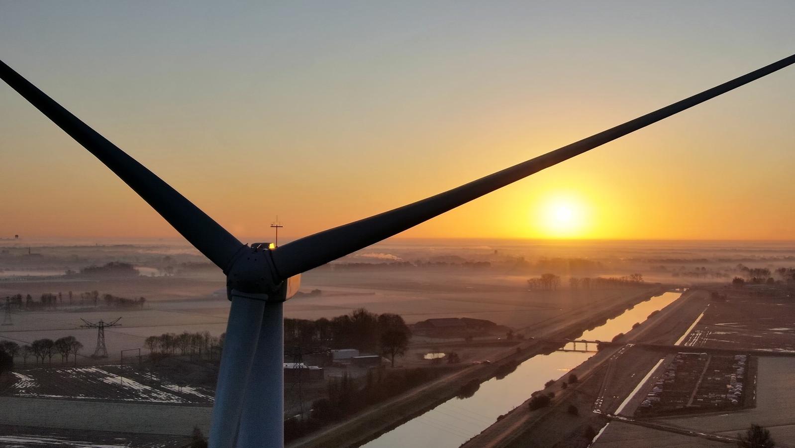 Windmolen bij Waalwijk.