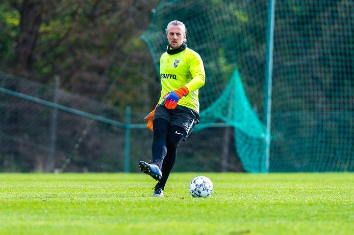 Doelman Remko Pasveer op het trainingskamp van Vitesse in Alcantarilha in Portugal.