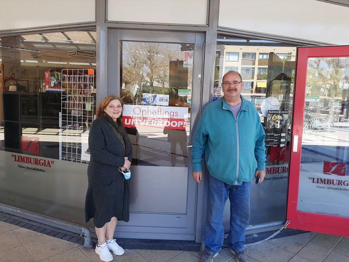 Annemarie en Hugo van der Kruyssen voor Limburgia Heksenwiel. Onverwacht hebben ze deze week hun zaak moeten sluiten.