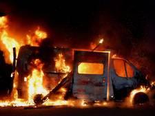 Man ontsnapt aan brandende camper: 'Het waren verschrikkelijke vlammen'