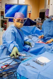 Hoog ziekteverzuim en vacatures: ziekenhuizen blijven kampen met wachtlijsten