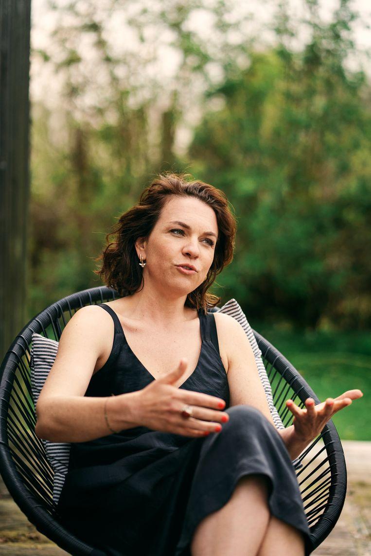 Siska Schoeters: 'Vroeger was ik de vrouw van Tomas De Soete, nu is hij de man van Siska Schoeters. Dat steekt.' Beeld Joris Casaer