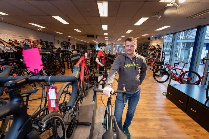Twintig dure, exclusieve fietsen zijn gestolen uit de winkel van Wilfred Klamer in Biddinghuizen.