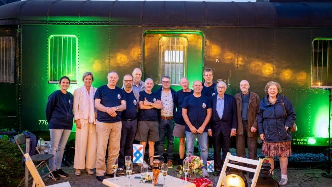 """Na tentoonstelling, nu ook boek over geschiedenis van treinstation: """"Te veel kostbare verhalen en foto's om zomaar op te bergen"""""""