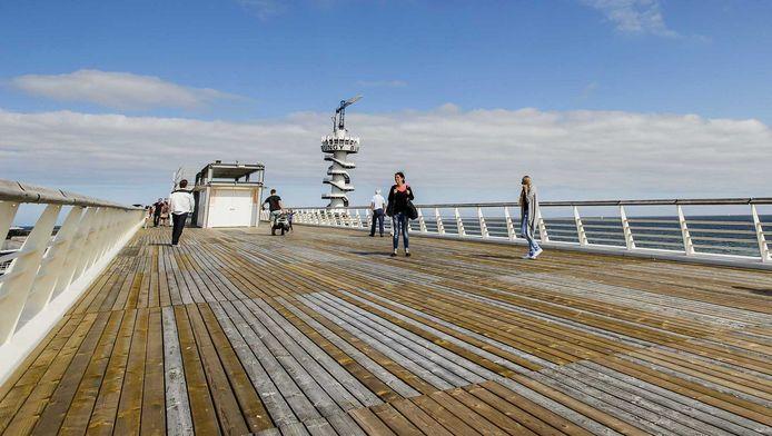 Er mogen er niet meer dan 800 mensen tegelijkertijd op de pier.