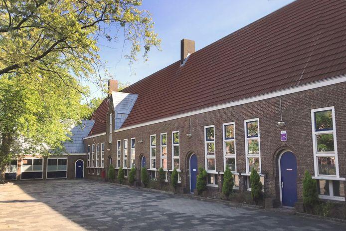 Kobell Lofts in de voormalige Montessorischool aan de Jan Kobellstraat in Rotterdam.