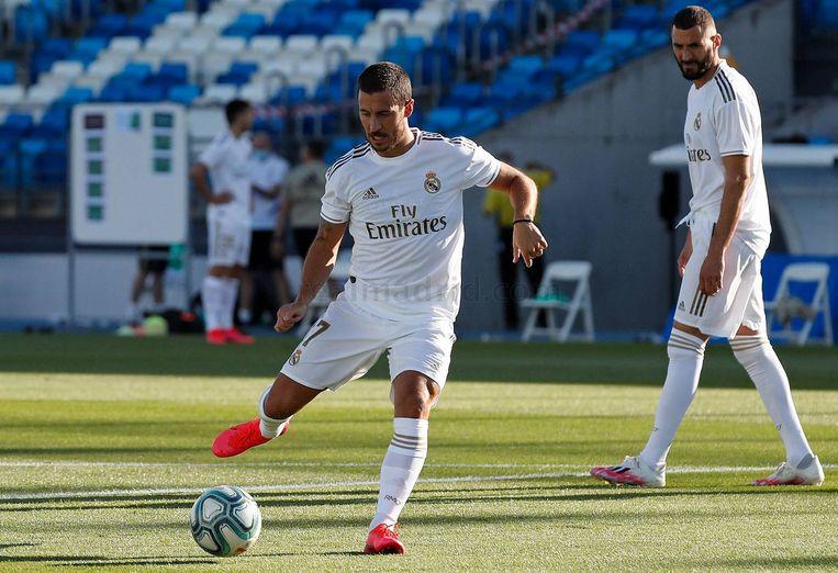 Eden Hazard traint als een vliegtuig, volgens ooggetuigen. Beeld Real Madrid