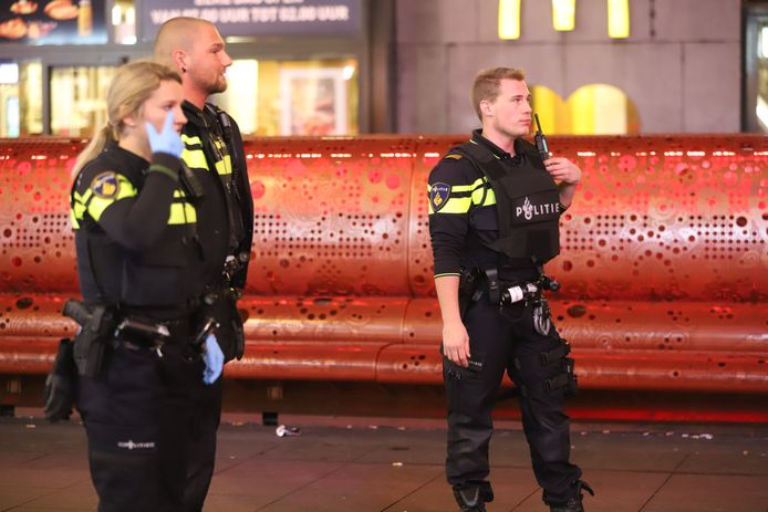 Politieagenten in de Grote Marktstraat