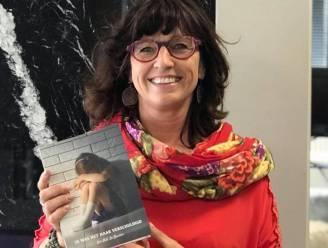 """Life Coach Ann (53) schrijft boek over gezinsgeweld: """"De eenzaamheid door Corona brengt oude trauma's naar boven"""""""