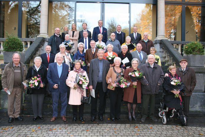 Alle huwelijksjubilarissen werden ontvangen op het gemeentehuis.