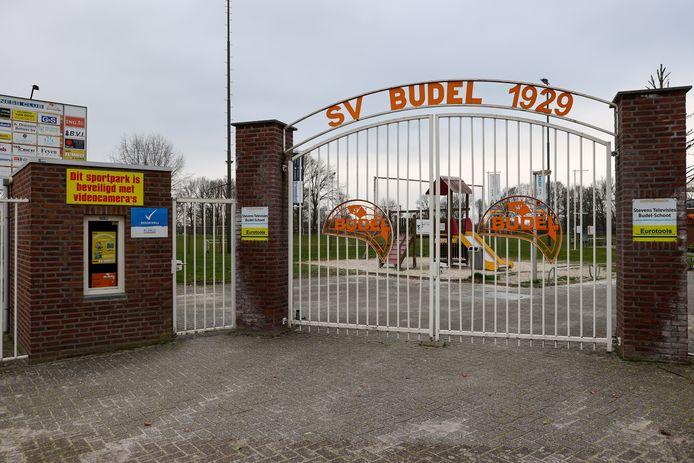 De poort bij de accommodatie van sv Budel.
