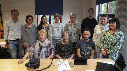 Jeugd geeft senioren pc-les op Youca Day