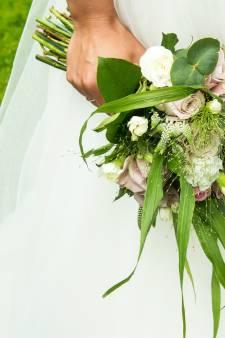 Bruid uit Elspeet rent winkel uit met onafgemaakte jurk: 'Dat de paniek toeslaat snap ik...'