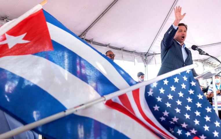 Ron DeSantis, gouverneur van Florida, hier bij de herdenking van de invasie in de Varkensbaai. Beeld EPA