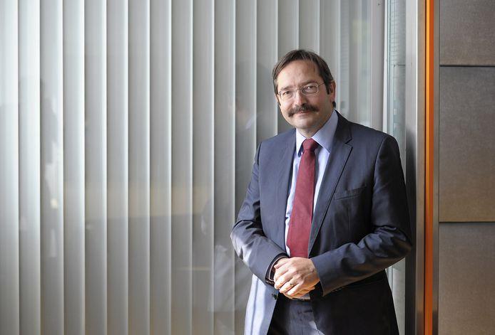 Theo Bovens, in zijn tijd als commissaris van de Koning in Limburg.