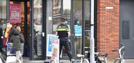 Overval op supermarkt Middelburg: 'Hij eiste geld, maar we waren nog maar net open'